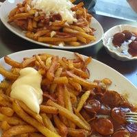 Das Foto wurde bei Der Pommesbauer von Sylvia N. am 8/13/2012 aufgenommen