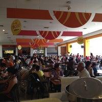 Photo taken at Éxito Bucaramanga by Adrian Cristian B. on 4/29/2012
