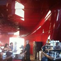 Photo taken at Singularis Restaurante by Cesar D. on 8/17/2012