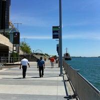 Das Foto wurde bei Detroit RiverWalk von Allen G. am 6/23/2012 aufgenommen