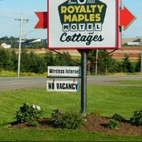 Photo taken at Royalty Maples  Motel  & Cottages by Chris D. on 3/15/2012