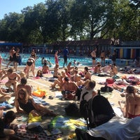 Photo prise au London Fields Lido par Pip le7/23/2012
