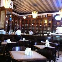 Foto tirada no(a) Bar Brasília por Regina B. em 4/12/2012