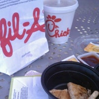 Photo prise au Chick-fil-A par Bethany H. le6/14/2012