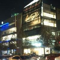 Photo taken at Infiniti. Nissan Service by 우정 이. on 11/17/2011