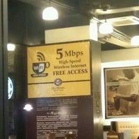 9/27/2011 tarihinde Dixon L.ziyaretçi tarafından OldTown White Coffee'de çekilen fotoğraf