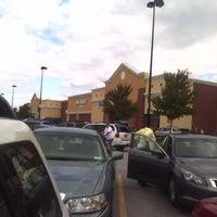 Das Foto wurde bei Walmart Supercenter von Lori F. am 10/22/2011 aufgenommen