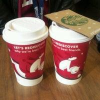 Das Foto wurde bei Starbucks von HaeRan P. am 11/5/2011 aufgenommen