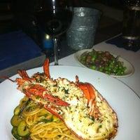 รูปภาพถ่ายที่ Pesce Seafood Bar โดย Heather เมื่อ 5/12/2012