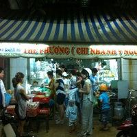 Photo taken at Bánh Mì Chín Ngón by Lee on 8/11/2012
