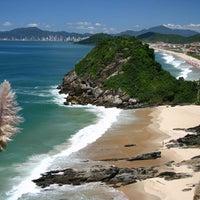 Foto tirada no(a) Pousada Praia dos Amores por Rogerioe Z. em 5/20/2012