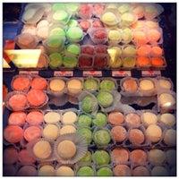 Foto tomada en Mikawaya por Cakes el 11/17/2011