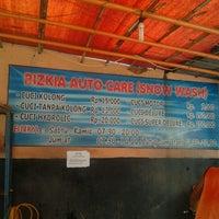 Photo taken at Cuci Mobil Rizkia Auto Care by tumpaka e. on 10/16/2011