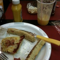 Foto tirada no(a) Super Grill Express por Fernando A. em 2/23/2012