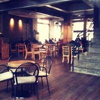 Photo taken at coffeesmith™ by Hyunmin P. on 2/28/2011