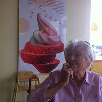 Photo taken at Tutti Frutti Frozen Yogurt by Laura M. on 6/19/2012