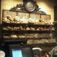 6/30/2012에 Sarah님이 PARIS CROISSANT Café에서 찍은 사진