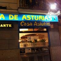 Foto tomada en Casa de Asturias por Label S. el 2/25/2012