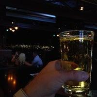 Foto scattata a Lodo's Bar and Grill da Ryan M. il 3/25/2012