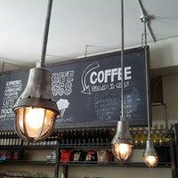 รูปภาพถ่ายที่ Kaffe 1668 โดย Marc Tobias K. เมื่อ 6/17/2012