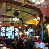 Foto tirada no(a) Majestic Café por Patrícia P. em 5/26/2012