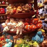 Foto tomada en Disney Store por MaríaLuisa @. el 9/2/2012