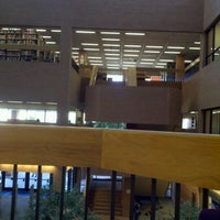 Photo taken at Daniel E. Noble Science and Engineering Library by Stephanie M. on 11/10/2011