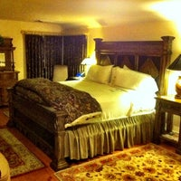 Photo taken at The Hermitage Inn by Stephen G. on 10/11/2011