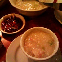 Das Foto wurde bei 老大 Laota Restaurant von Chandra I. am 10/18/2011 aufgenommen