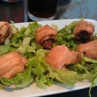 Foto tirada no(a) Kony Sushi Bar por Rebeca M. em 10/11/2011