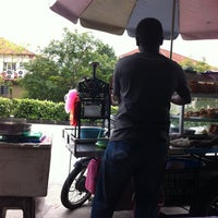 Photo taken at Rojak / Cendol Motor Store WEF 1364 by Azamarko on 12/29/2011
