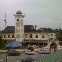 Photo taken at Masjid hiliran by Mohd Radzman i. on 11/18/2011
