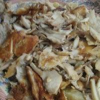 Снимок сделан в Luloua Restaurant пользователем Adeeb A. 11/26/2011