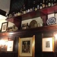 Foto tirada no(a) Ye Olde Mitre Tavern por Jamieson B. em 11/14/2011