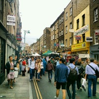 Photo prise au Brick Lane Market par Jonathan C. le9/2/2012