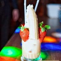 Снимок сделан в Shishas Lounge Bar пользователем Ilya L. 5/29/2012