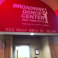 Photo prise au Broadway Dance Center par Karin R. le3/16/2011