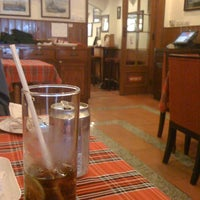 Photo taken at Gartenstadt German Restaurant by Hai N. on 3/9/2012