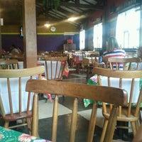 Foto tirada no(a) Sr Glutton Restaurante e  Pizzaria por Marcia A. em 1/14/2012