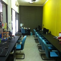 Photo taken at Hackerspace by Yohan T. on 3/14/2011