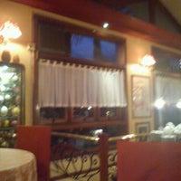 Foto tirada no(a) Polska Restauracja por Virginia C. em 11/30/2011