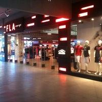 Foto tirada no(a) Fla Boutique por Marcos F. em 3/18/2011