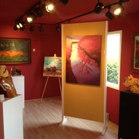 Photo taken at Courtyard Gallery by Louis P. on 4/29/2012