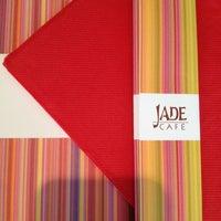 4/17/2012 tarihinde Shaindel N.ziyaretçi tarafından Jade Cafè'de çekilen fotoğraf