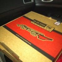 Foto tirada no(a) Pizza Hut por Diego R. em 3/10/2012