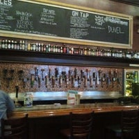 Photo taken at Flying Saucer Draught Emporium by Alberto S. on 1/26/2012