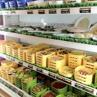 Photo taken at X.O Suki & Cuisine by Henry Setiawan on 7/22/2012
