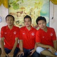 Photo taken at Kedai Makan Pakde by prastyo d. on 3/24/2012