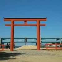 Photo taken at Hakozakigu Shrine by W12403 on 4/2/2012