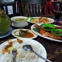 Photo taken at Seri Mesra Ikan Bakar & Seafood by Suria H. on 9/3/2012